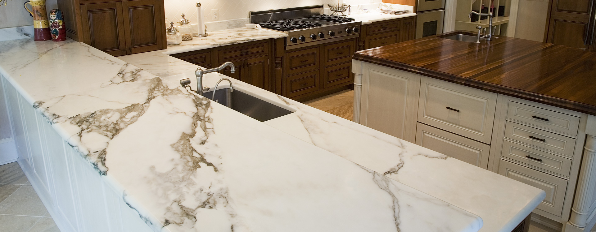 calcatta gold marble countrtop