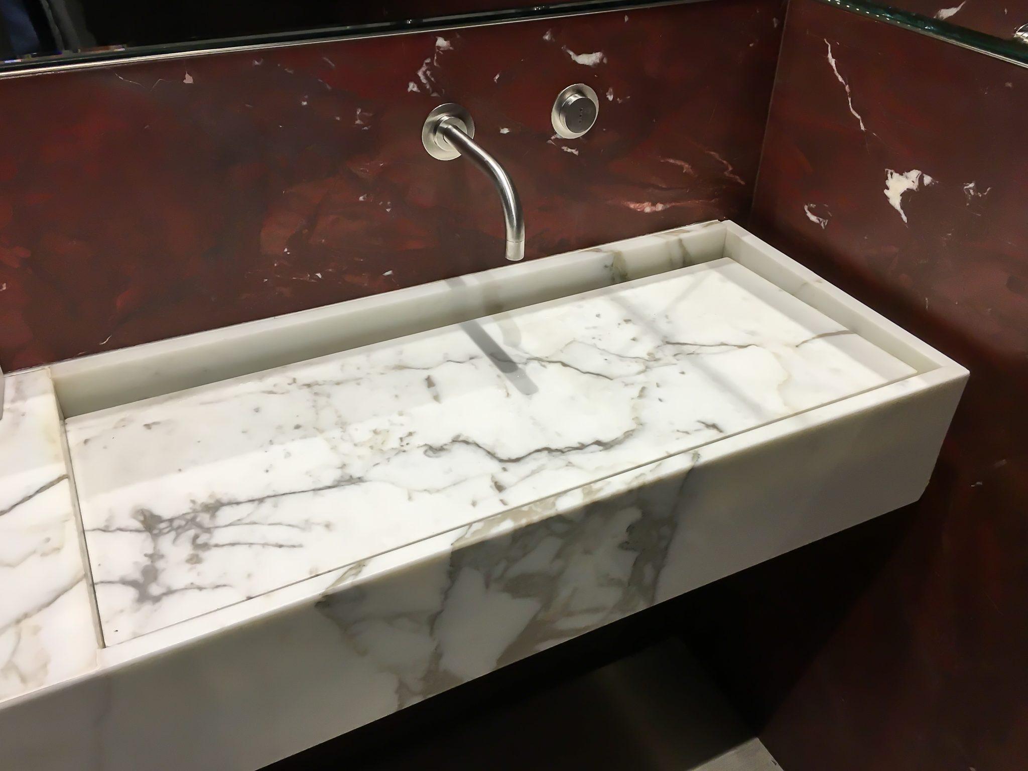 calacatta gold marble sink