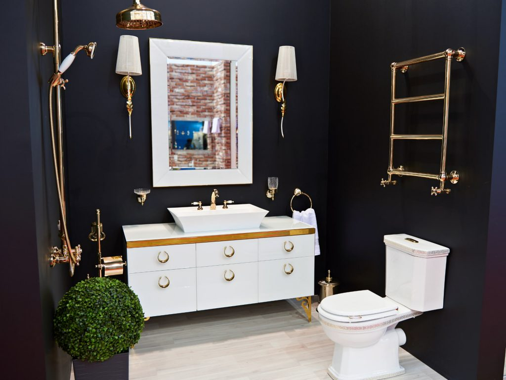 Top 5 Tips For Your Bathroom Lighting On A Budget 1